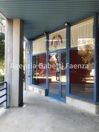 fotografie - negozio Faenza (RA) Periferia Monte